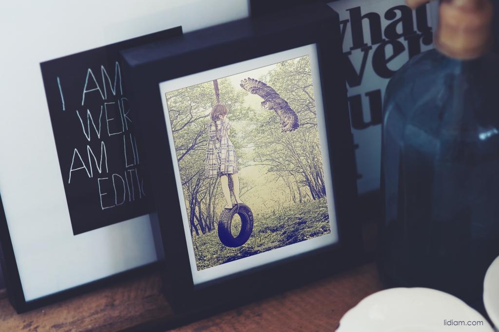mockupworld-picture-frame